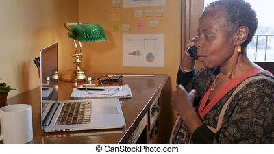 femme, elle, téléphone, enlever, sans fil, conversation, quoique, séduisant, mûrir, lunettes