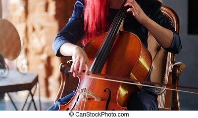 femme, emotionally, séance, divan, violoncelle, jouer