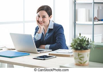 entrepreneur femme femme elle bureau r ussi ordinateur images rechercher. Black Bedroom Furniture Sets. Home Design Ideas