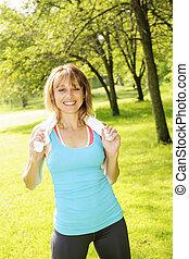 femme, exercisme, dans parc