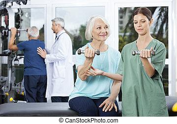 femme, exercisme, instruire, personne agee, haltère, ...