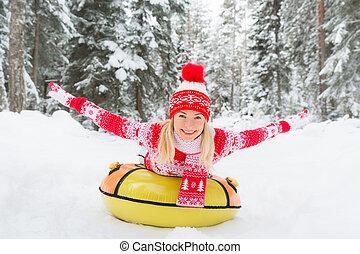 femme, extérieur, hiver, heureux