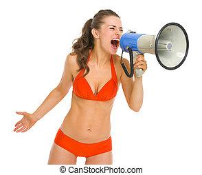 femme, fâché, jeune, maillot de bain, cris, par, porte voix