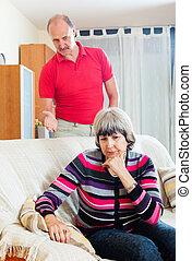 femme, fâché, mûrir, fatigué, mari, écoute