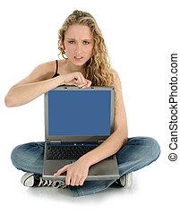 femme fâchée, ordinateur portable