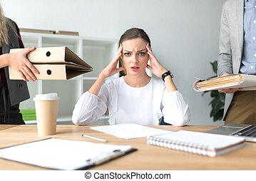 femme, fatigué, mal tête