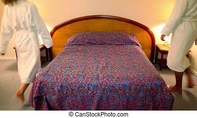 femme, fermé, venir, lit, peignoirs, chambre à coucher, ...