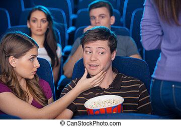 femme, fesses, quel, jeune, séance, cinéma, at?, homme, ensemble, sien, regarder, petite amie, vous, quoique