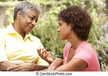 femme, fille, consolé, être, adulte, personne agee