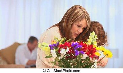 femme, fille, elle, edlerly, grandiose, confection, fleurs, tas