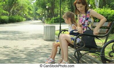 femme, fille parc, public