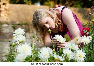 Planter fraises femme jardin elle planter femme for Potager naturel sans entretien