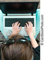 femme, fonctionnement, jeune, laptop., above., vue