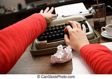 femme, fonctionnement, machine écrire