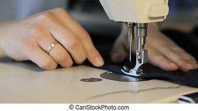femme, fonctionnement, machine coudre, concepteur, studio, mode