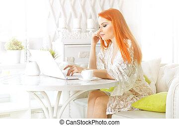 femme, fonctionnement, séance, ordinateur portable, jeune, table