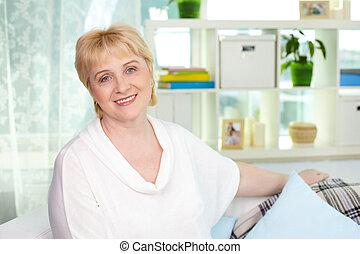 femme foyer, heureux