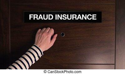 femme, frappement, assurance, fraude