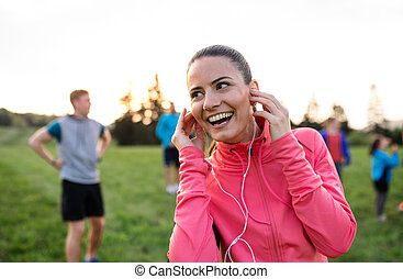 femme, groupe, gens, nature, jeune, resting., exercice