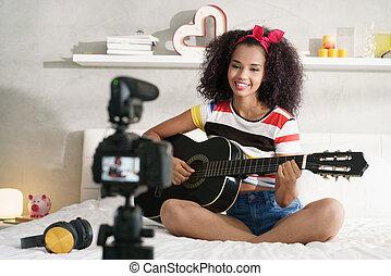 femme, guitare, girving, vidéo, internet, classe, travaux pratiques