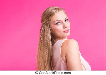 femme, haut, jeune, confiant, blonds, fin, portrait, sourire