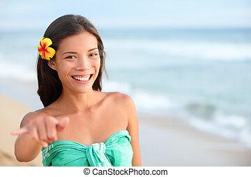 femme, hawaï, main, shaka, confection, sourire, signe, plage