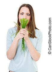femme, herbe verte, triste