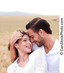 femme heureuse, elle, petit ami