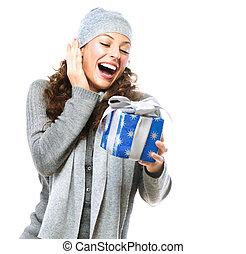 femme, heureux, jeune, noël don, boîte