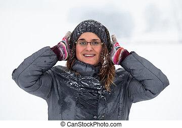 femme, hiver, heureux