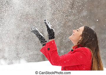 femme, hiver, lancement, neige, air, rouges