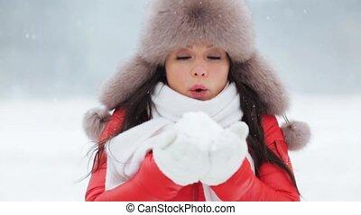femme, hiver, neige, dehors, jouer, heureux