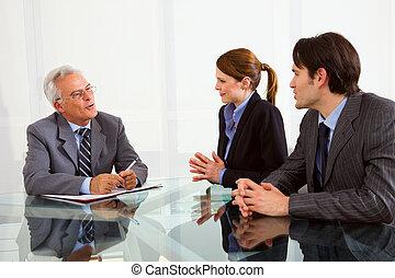 femme, hommes, deux, une, entretien travail, pendant