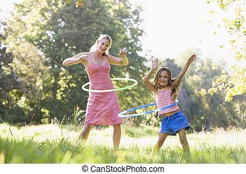 femme, hula, jeune, dehors, utilisation, girl, arceaux, ...