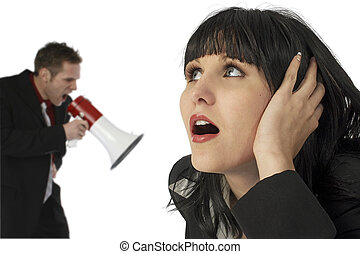 femme, hurlement, couverture, bullhorn, homme, oreilles