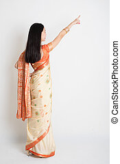 femme, indien, pointage, sari, robe, vue postérieure