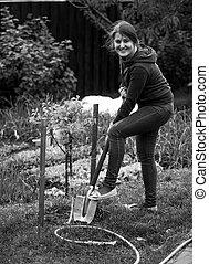 femme, jardin, fonctionnement, photo, lit, pelle