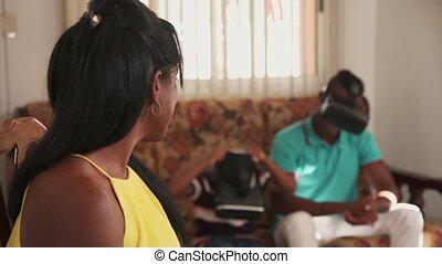 femme, jeune, américain, appareil photo, noir, africaine, portrait, fille souriant