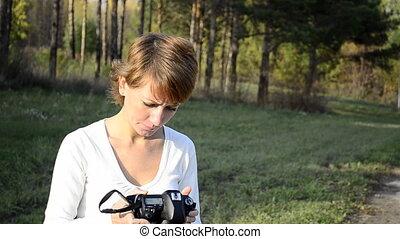 femme, jeune, automne, photographe
