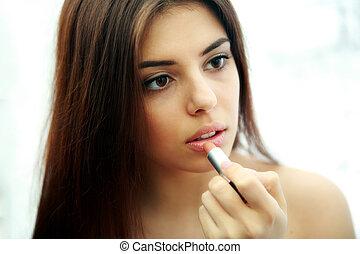 femme, jeune, beau, maquillage