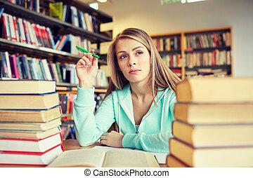 femme, jeune, bibliothèque, livres, étudiant, percé, ou