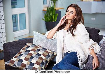femme, jeune, couch., séance