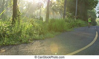 femme, jeune, exotique, traîner courir, forêt, fitness