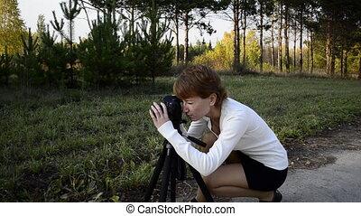 femme, jeune, fleur, photographier