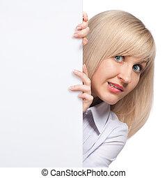 femme, jeune, isolé, embarrassé, papier, tenue, blanc, vide