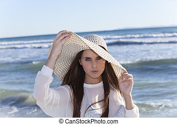 femme, jeune, plage