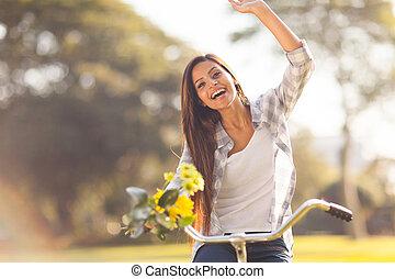 femme, jeune, vélo, amusement, équitation, avoir