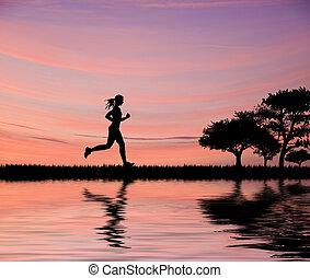 femme, joggeur, silhouette, contre, beau, ciel coucher soleil, courant, par, champs