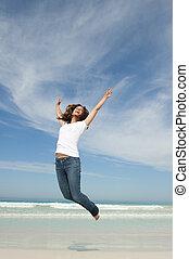 femme, joie, sauter, joli, plage, heureux