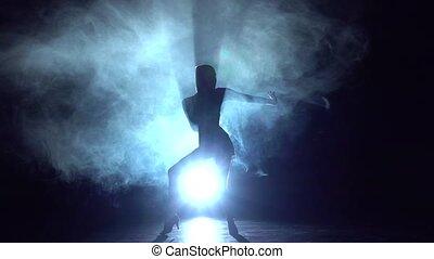 femme, latin, danse, danse, silhouette., mouvement, lent, studio, éléments